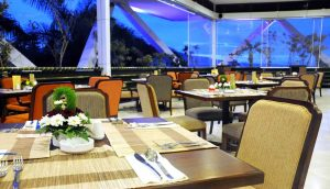 Outlet Flamboyan Cafe - Palace Hotel Cipanas