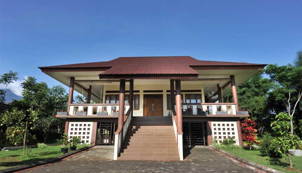 Villa - Palace Hotel Cipanas