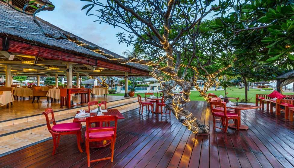 Hotel Bintang 5 di Bali - Tepan Noodle Restaurant