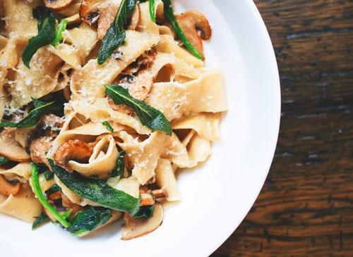 restoran yang menyajikan masakan dari chef terbaik