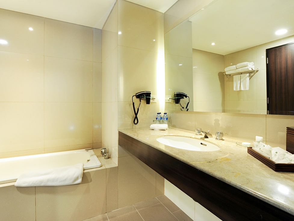 Deluxe Suite - Bathroom - Discovery Ancol