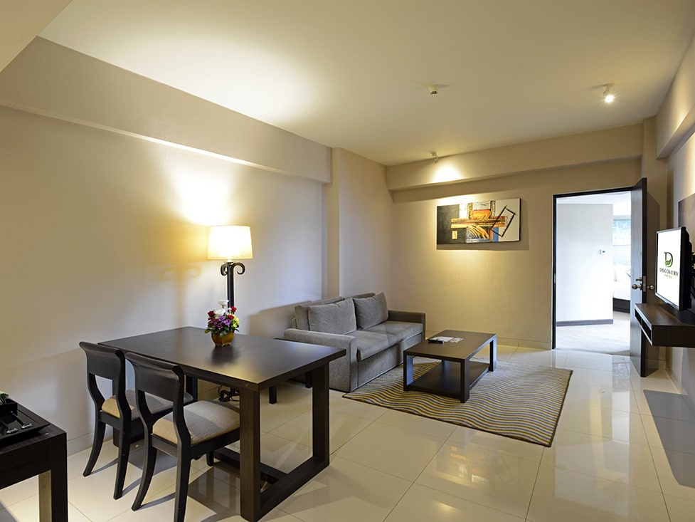 Deluxe Suite - Living Room - Discovery Ancol