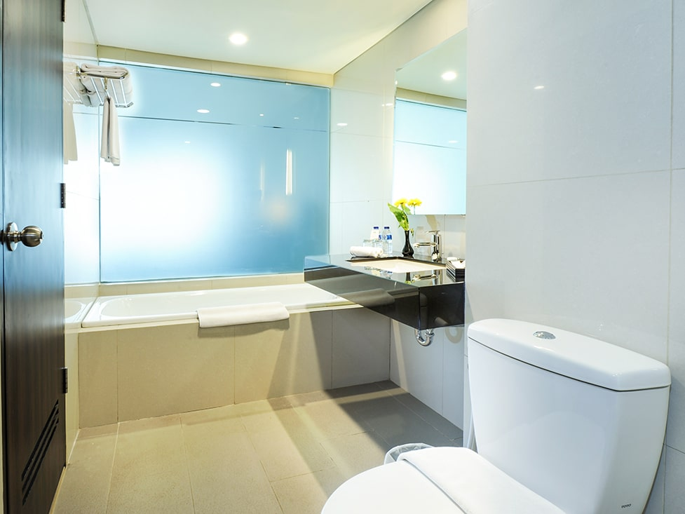 Executive Suite - Bathroom - Discovery Ancol
