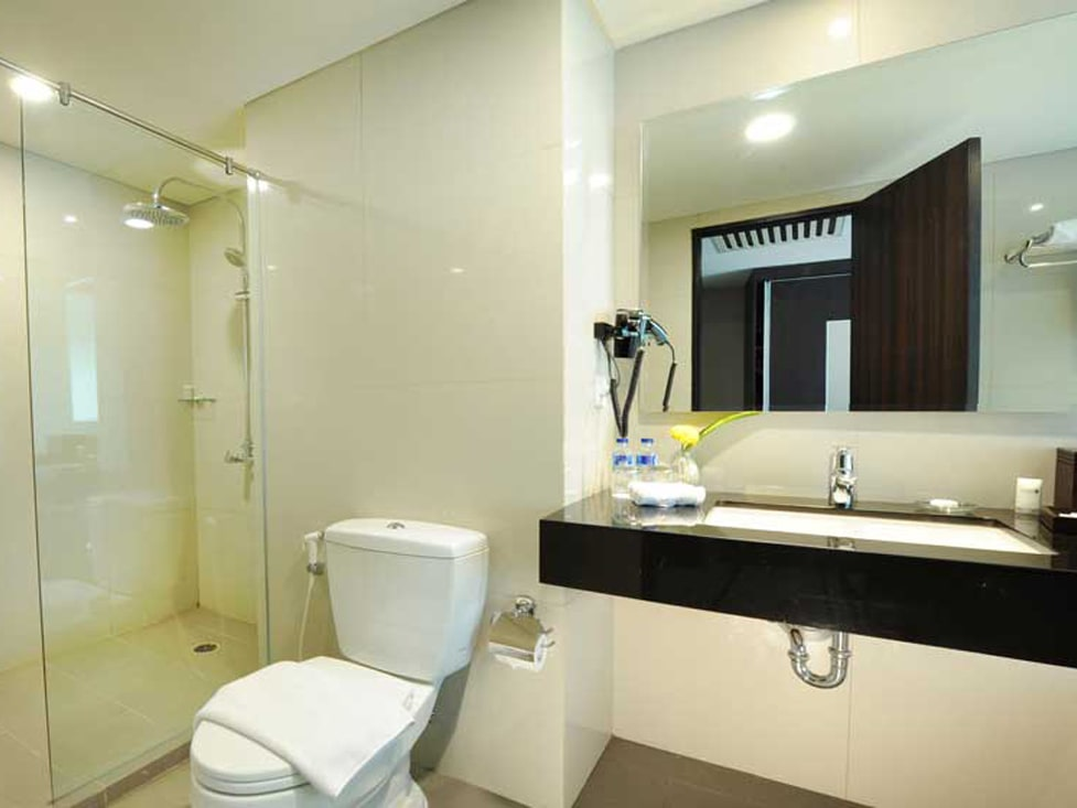 Family Room - Bathroom - Discovery Ancol