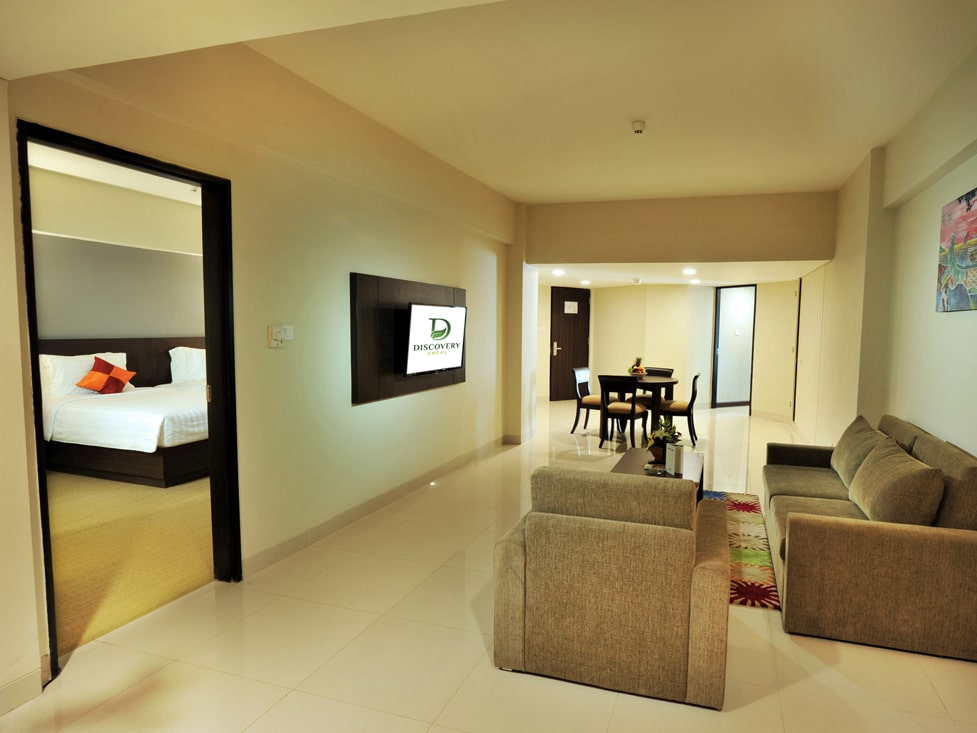 Premier Suite - Living Room - Discovery Ancol
