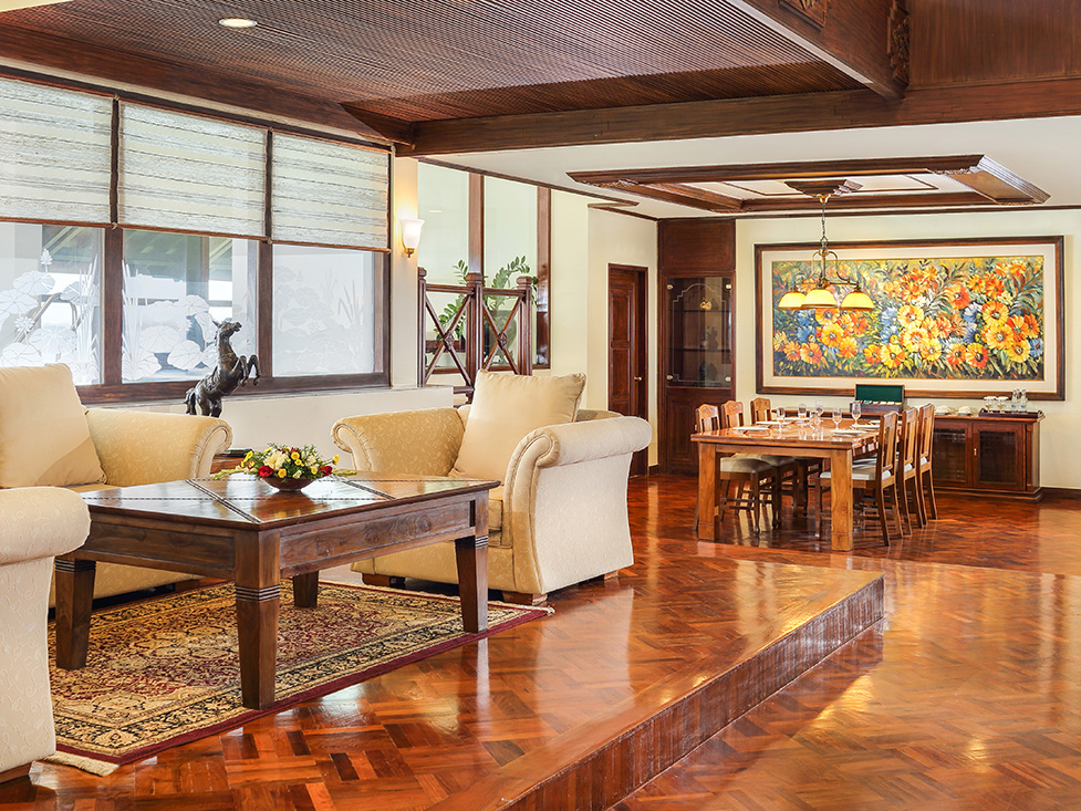 Pesidential Suite - Dining Room - Discovery Kartika Plaza Hotel