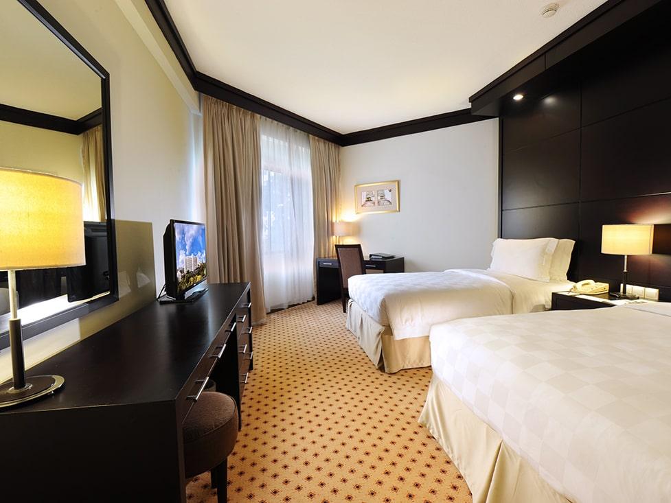 Garden Wing Two Bedroom - Bedroom - Hotel Borobudur Jakarta