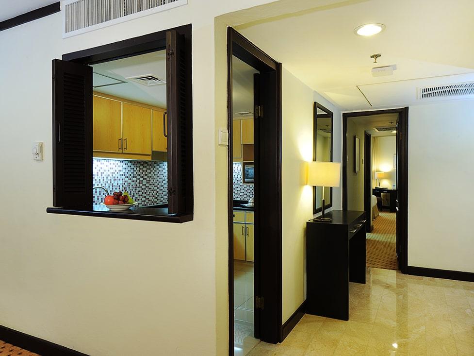 Garden Wing Two Bedroom - Kitchen - Hotel Borobudur Jakarta