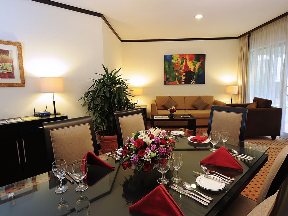 Garden Wing Three Bedroom - Living Room - Hotel Borobudur Jakarta
