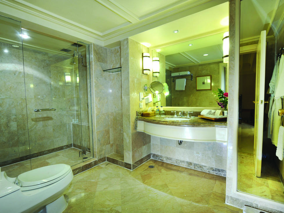 Club Suite - Bathroom - Hotel Borobudur Jakarta