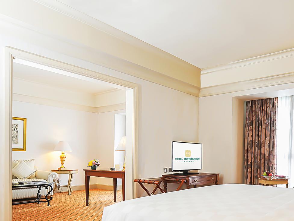 Club Suite - Bedroom - Hotel Borobudur Jakarta