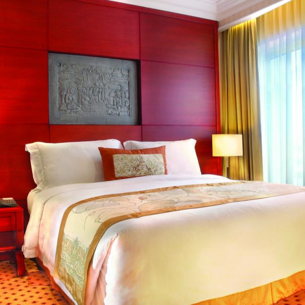 Junior Suite - Bedroom - Hotel Borobudur Jakarta