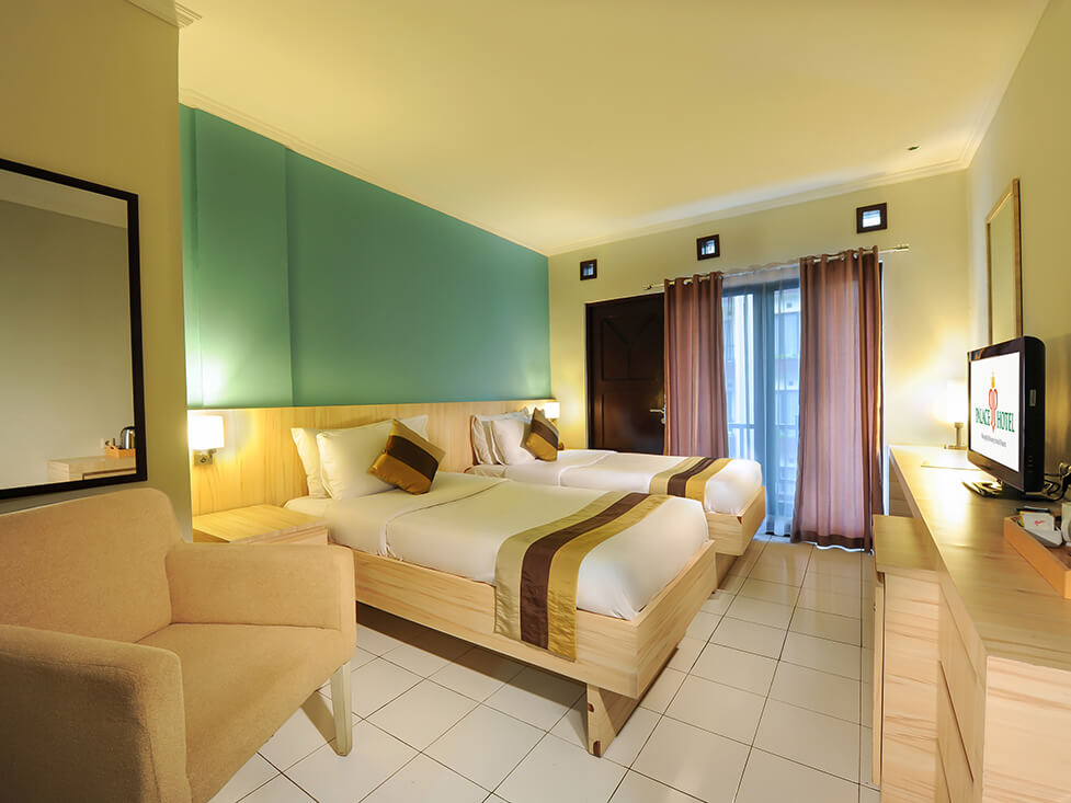 Deluxe Room - Twin Bed - Palace Hotel Cipanas