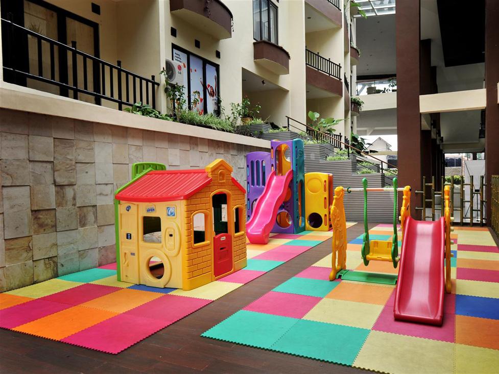 Playground - Palace Hotel Cipanas