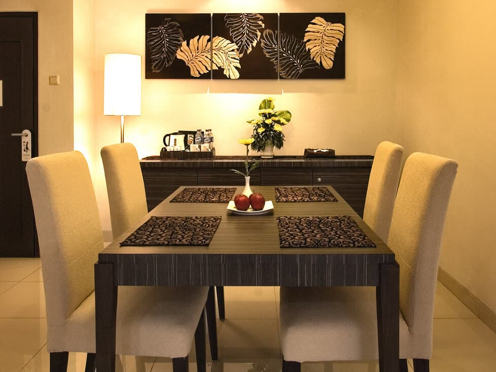 Suite Room - Dining Area - Palace Hotel Cipanas