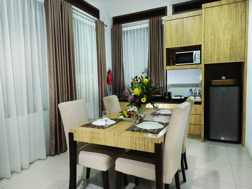Villa - Dinning Room - Palace Hotel Cipanas
