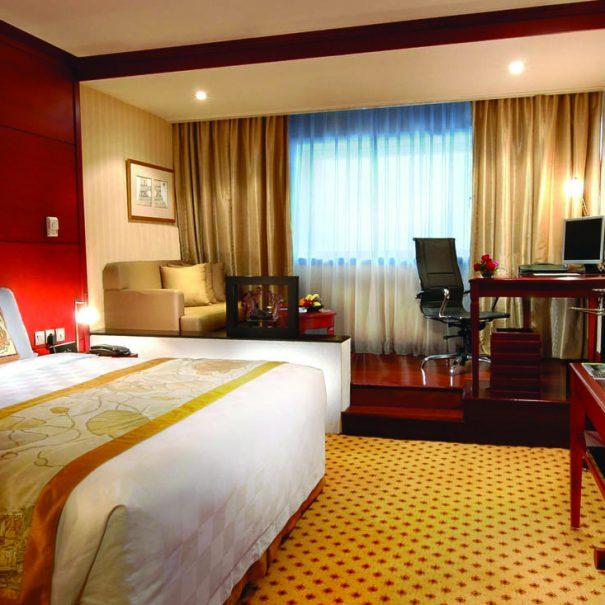 Executive Room - Bedroom - Hotel Borobudur Jakarta