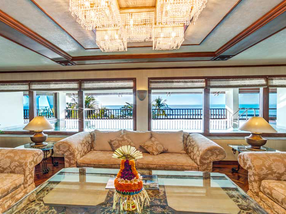 Pesidential Suite - Living Room - Discovery Kartika Plaza Hotel
