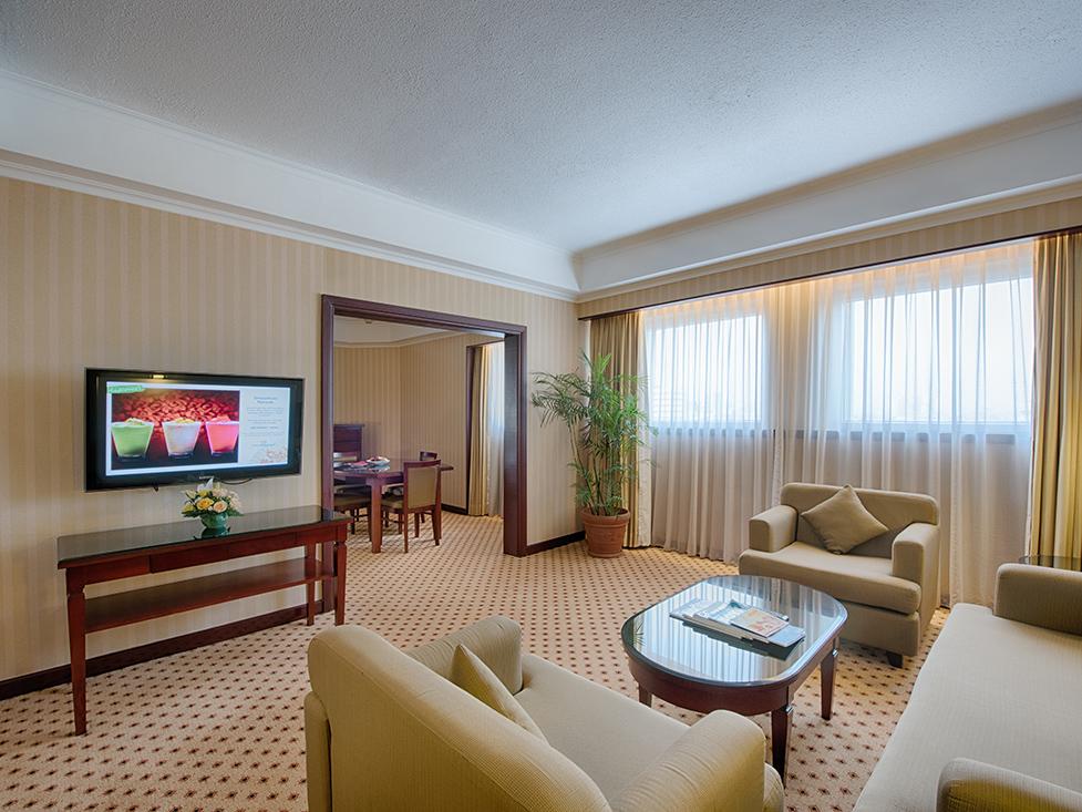 Executive Suite - Living Room - Hotel Borobudur Jakarta