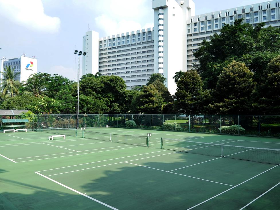 Sport Facilities - Outdoor Tennis Court - Hotel Borobudur Jakarta
