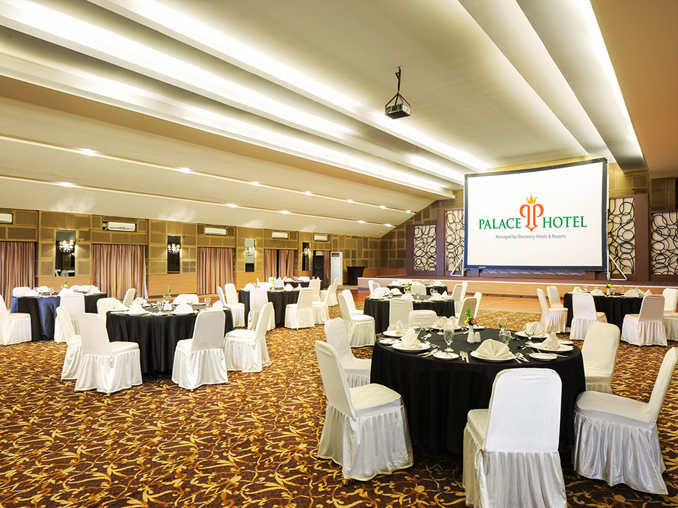 Business Meeting - Ballroom - Palace Hotel Cipanas