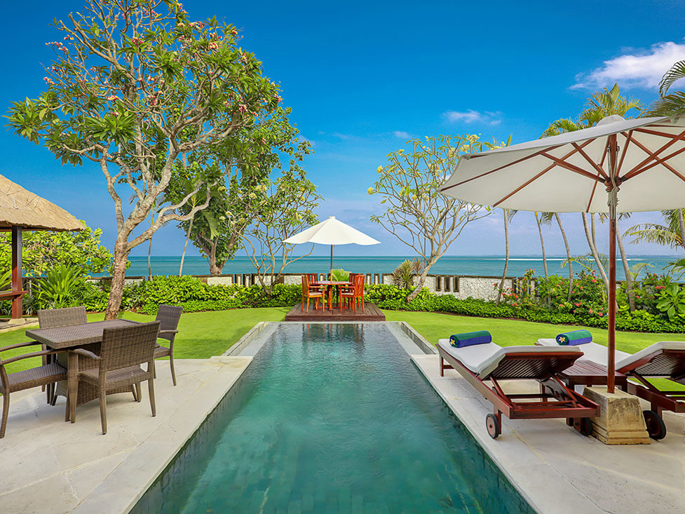 Beachfront Villa - Pool - Discovery Kartika Plaza Hotel
