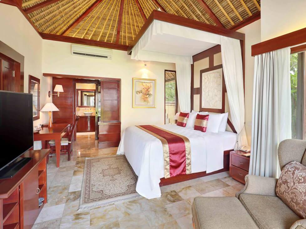 Beachfront Villa - Bedroom - Discovery Kartika Plaza Hotel