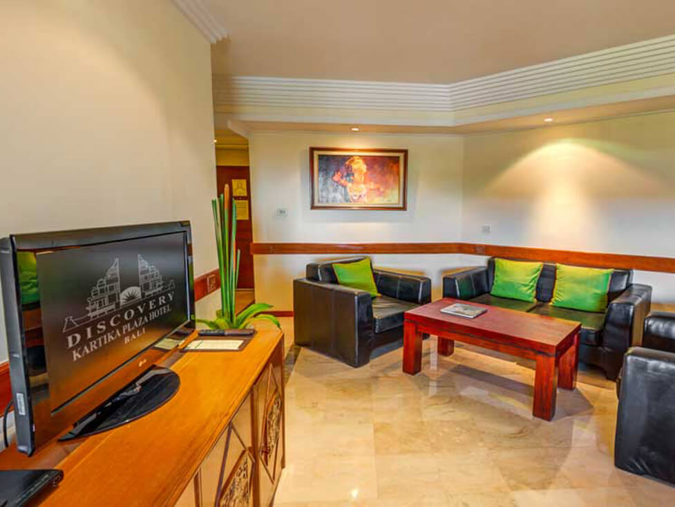 Family Suite - Living Room - Discovery Kartika Plaza Hotel