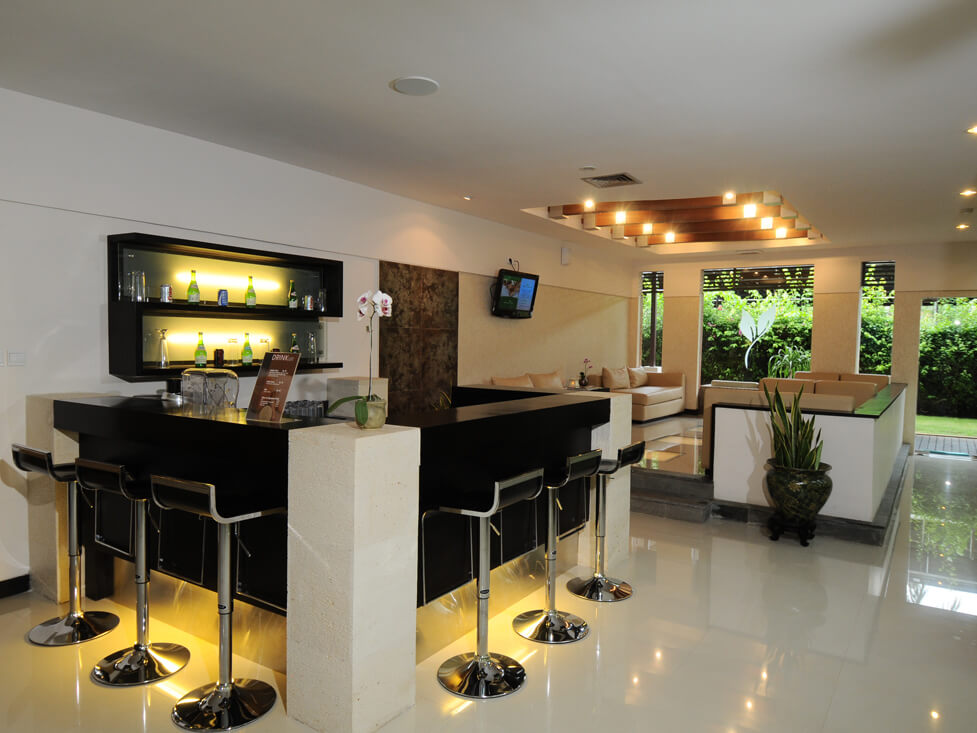 Sport & Recreation - Gym Lounge - Discovery Kartika Plaza Hotel