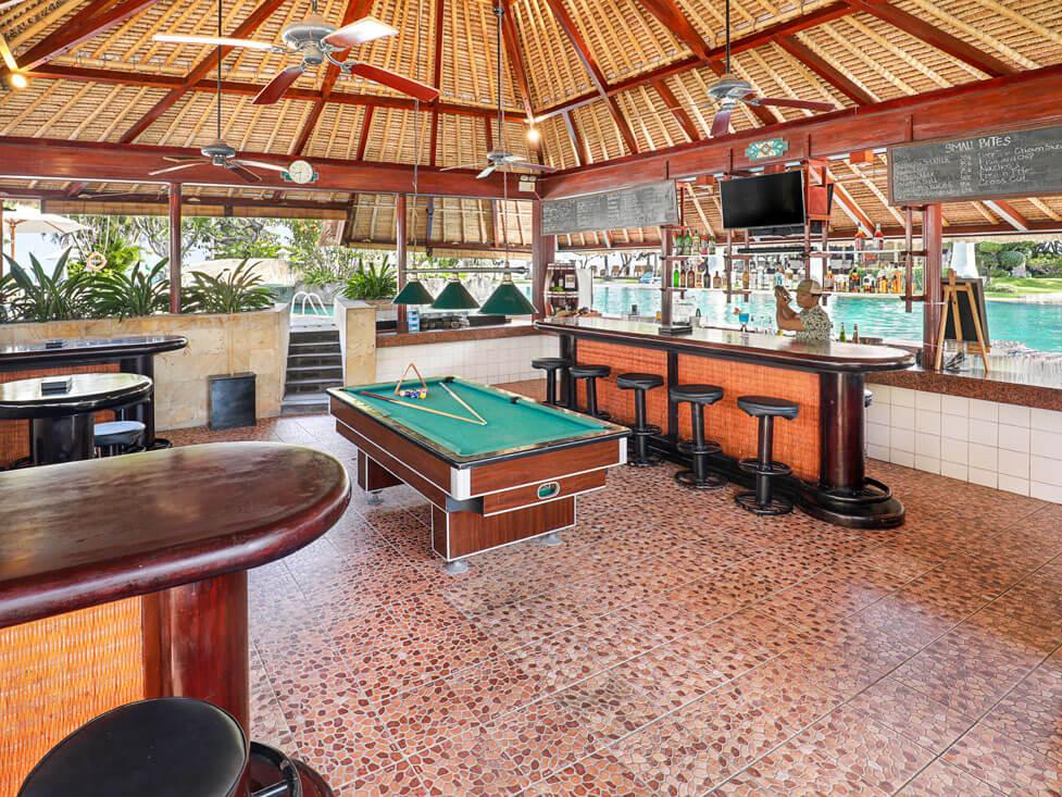 Kul Kul Pool Bar - Discovery Kartika Plaza Hotel