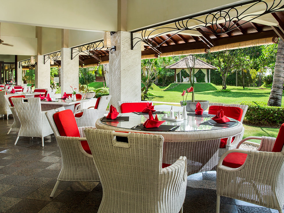La Cucina Restaurant - Discovery Kartika Plaza Hotel