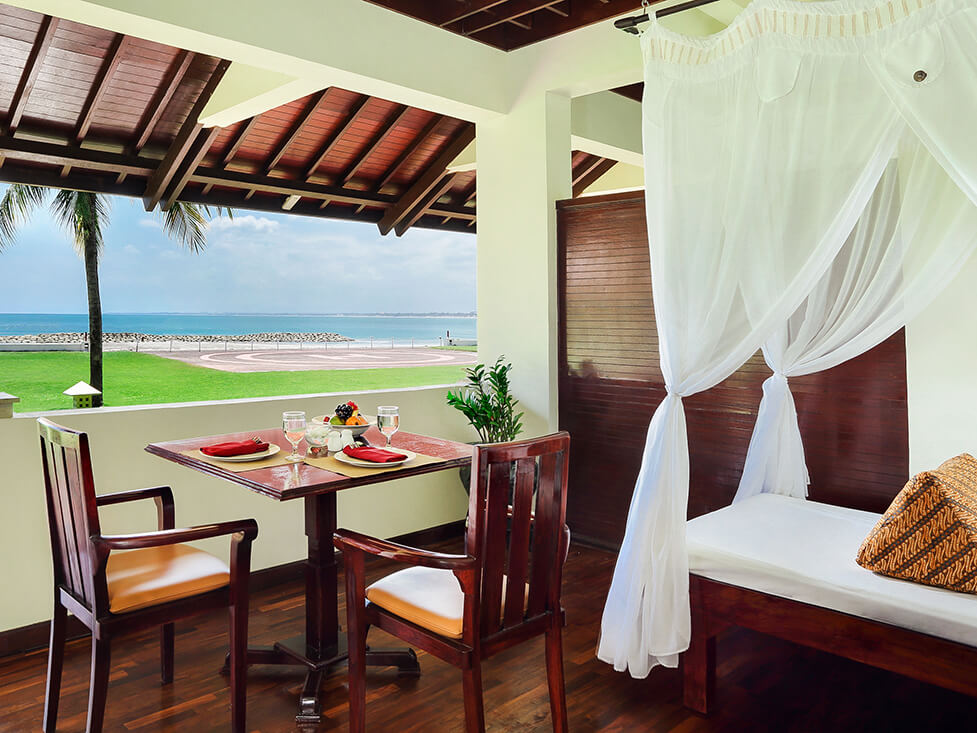 Grand Deluxe Ocean Front - Deck - Discovery Kartika Plaza Hotel
