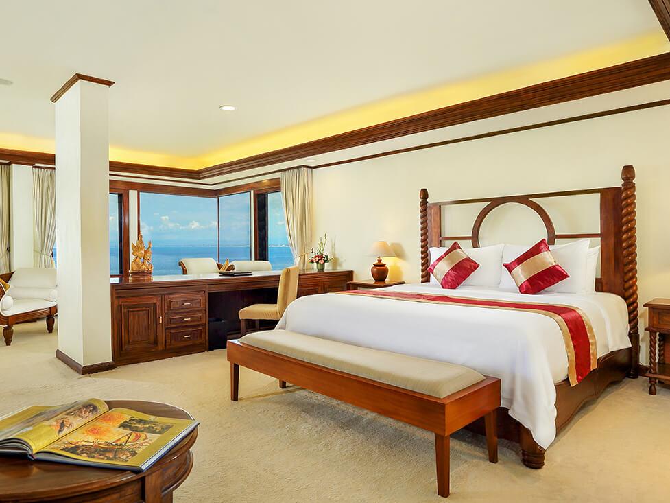 Pesidential Suite - Bedroom - Discovery Kartika Plaza Hotel