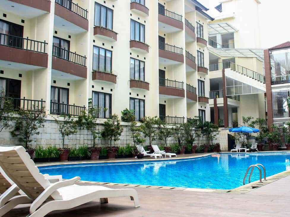 Facility - Swim Pool - Palace Hotel Cipanas