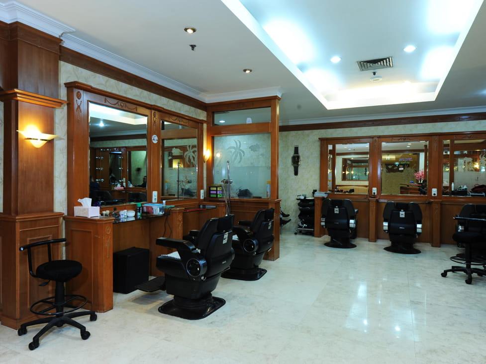 Gift Shop & Merchants - Beauty Salon - Hotel Borobudur Jakarta